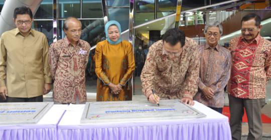 Ketua DPD RI Resmikan Semen Padang Hospital
