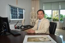 dr. Mensyuknil Hasra, Sp.OT