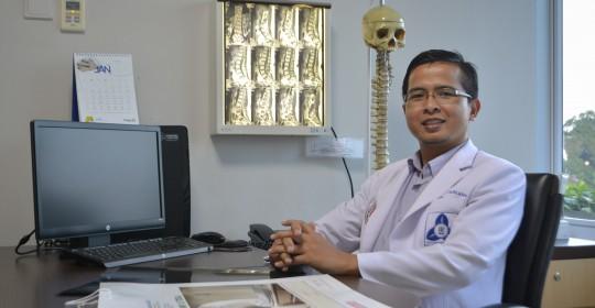 dr. Jefri Henky, Sp BS