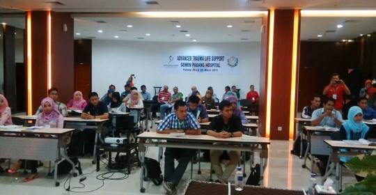 PELATIHAN ATLS (Advanced Trauma Life Support)  tanggal 27-29 November 2015 di Semen Padang Hospital